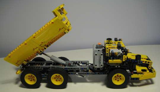 LEGO8264_0.jpg