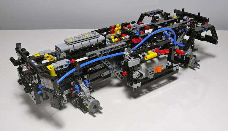 LEGO_8110_12.jpg