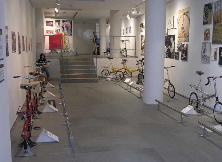 MOULTON_exhibition_3.jpg