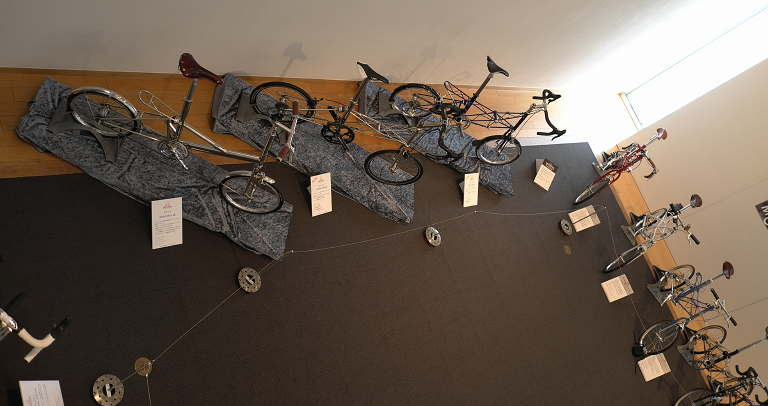 MOULTON_exhibition_5.jpg