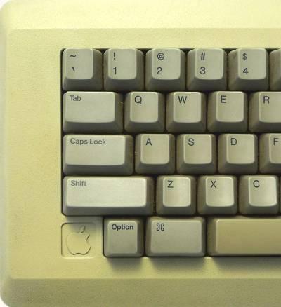 Mac128K_Keyboard_1.jpg