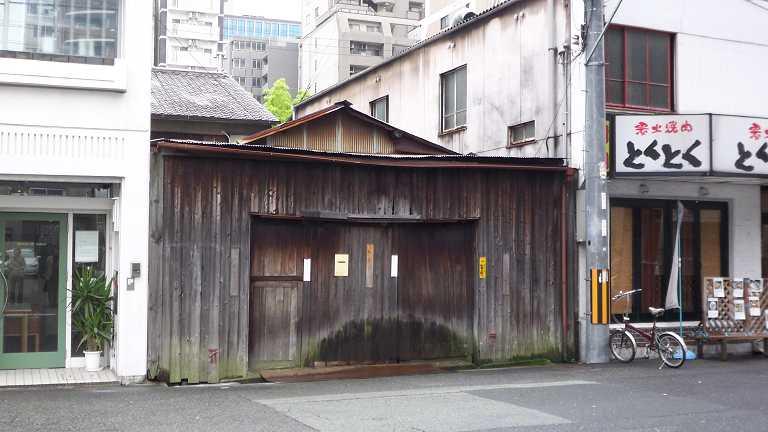 Osaka080424_barrack_1.jpg
