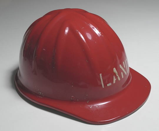 Red_helmet_2.jpg