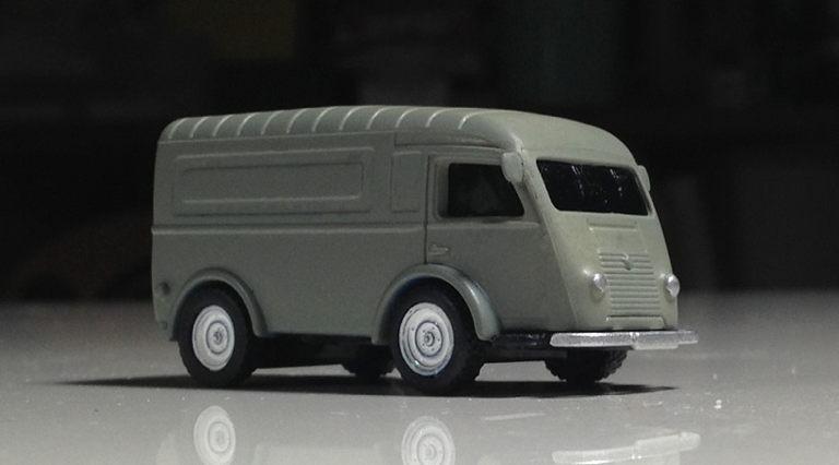 Renault_1000kg_2.jpg