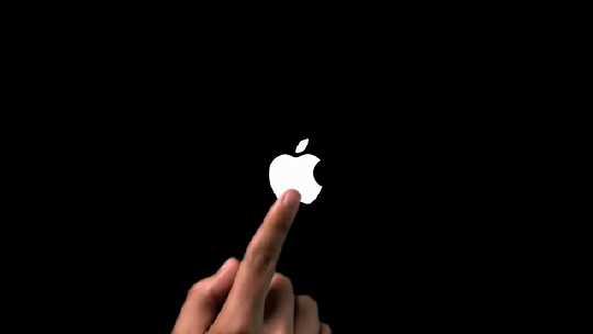 ipod_touch_cm.jpg